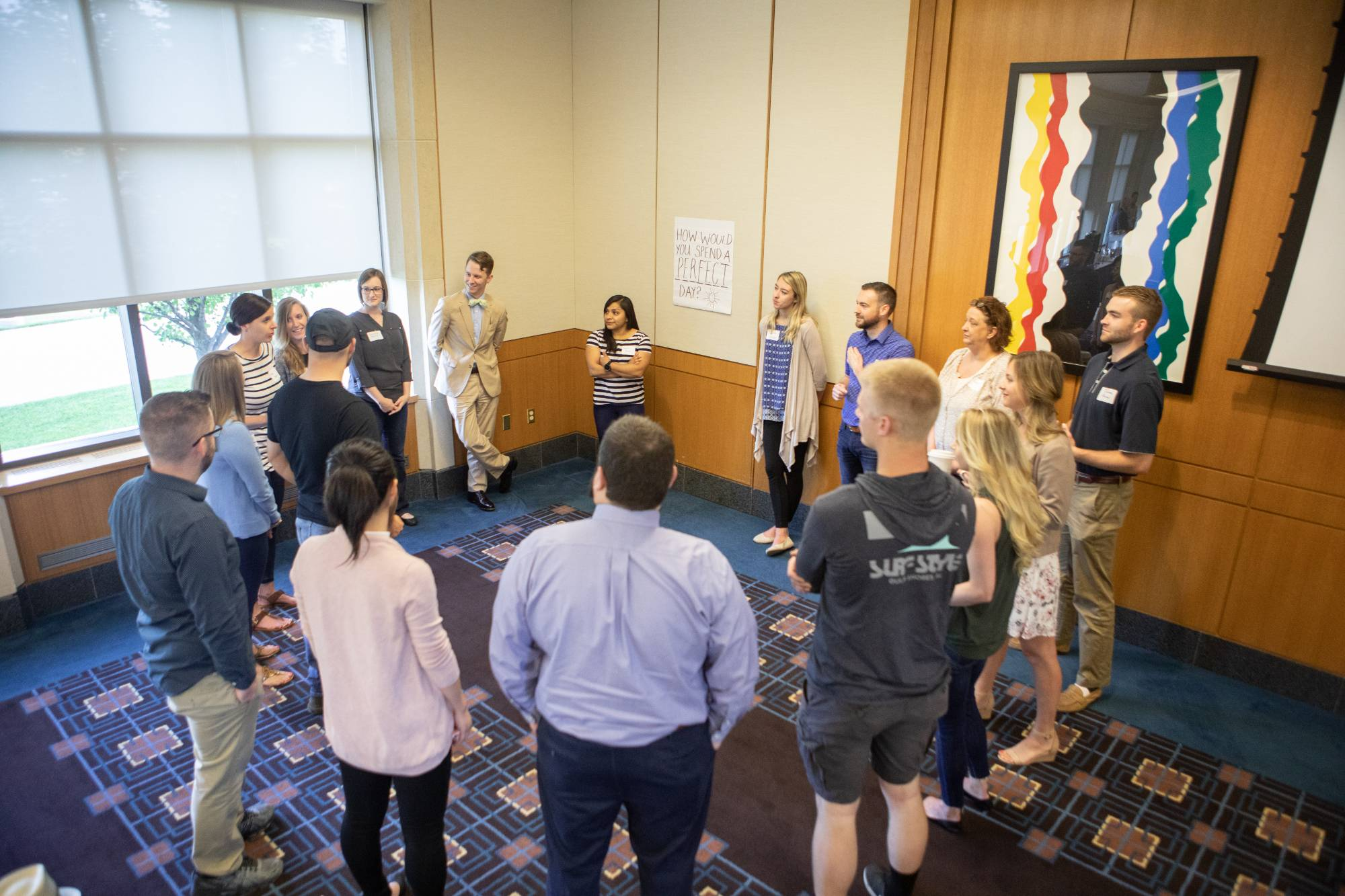 Professional MBA students enjoy a discussion during orientation weekend.